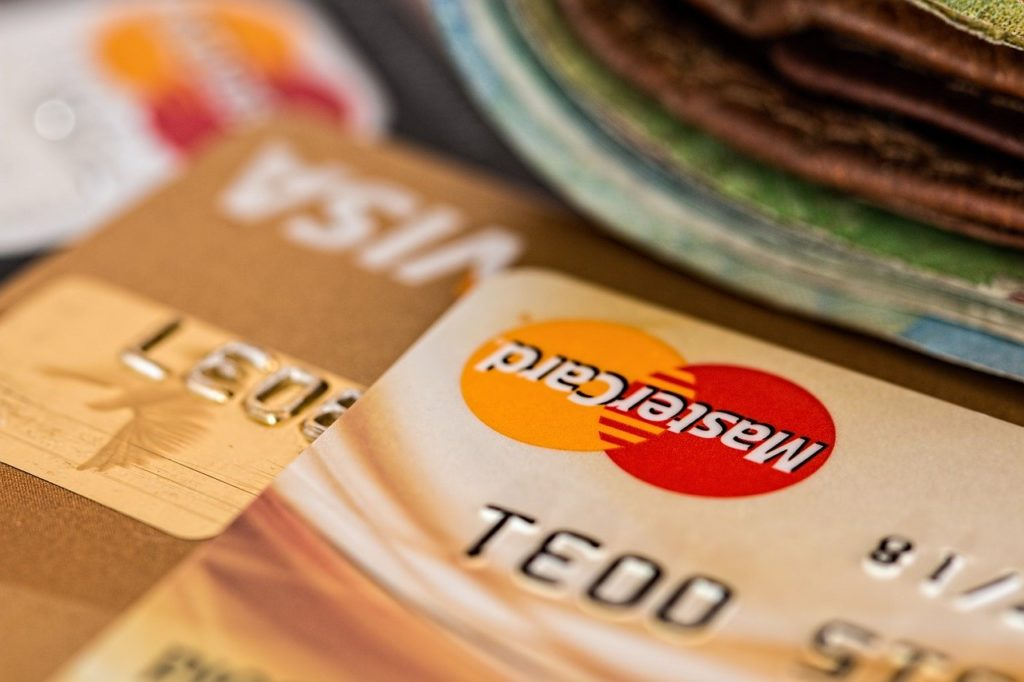 how does credit card debt affect getting a mortgage